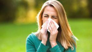 Як розпізнати де алергія, а де застуда?